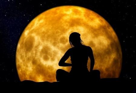 Ritual para recarregar energias na Lua Cheia