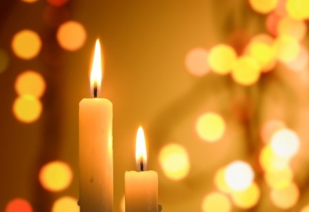 A importância de acender velas e o significado de cada vela