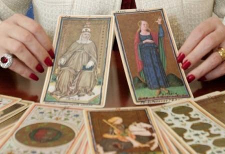 Tarot - Vamos pôr as cartas na mesa!